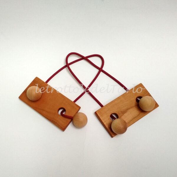 gemelli: rompicapo in legno del Tarlo realizzato a mano